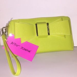 🌼BETSEY JOHNSON MIND BOW/ A WALLET/WRST🌼